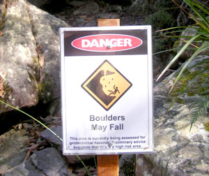DangerFallingRocks300