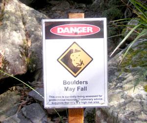 DangerFallingRocks300